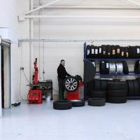 8-tyre-bay