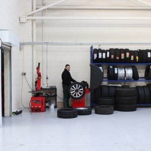Tyre bay